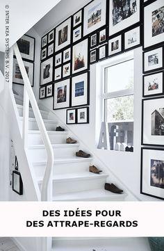 Vous ne savez pas quoi faire avec cet espace le long des escaliers ? Créez une galerie avec les photos de famille et transformez chaque coin en un lieu de souvenirs. Découvrez nos idées ! RIBBA Cadre, 17.99 / pce. #IKEABE #idéeIKEA Don't know what to do with that stairwell wallspace? Create a collage of family photos and fill every inch with special family memories. RIBBA Frame, 17,99/pce. #IKEABE #IKEAidea