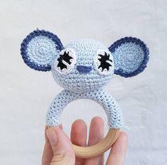 Koala rangle – By Grarup Magic Circle Crochet, Crochet Circles, Crochet For Kids, Crochet Baby, Knit Crochet, Baby Rattle, Baby Gifts, Crochet Earrings, Projects To Try