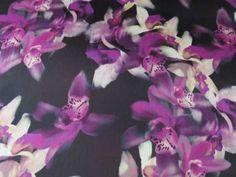 Tissu Satin Imprimés Orchidées en vente sur TheSweetMercerie.com
