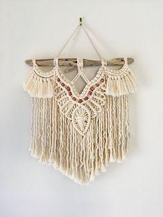 Macrame Wall Hanger, Macrame Curtain, Yarn Wall Hanging, Wall Hangings, Macrame Design, Macrame Art, Macrame Projects, Macrame Patterns, Quilt Patterns
