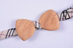 Double-sided wooden bowtie FOREVER  Material - Himalayan bamboo  Processing - poppy oil, carnauba wax Removable, replaceable textile part (2