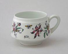 Tuotteet | Astiataivas.fi - Vanhojen astioiden ystävien löytöpaikka Tea Cups, Mugs, Tableware, Dinnerware, Tumbler, Dishes, Mug, Place Settings, Teacup