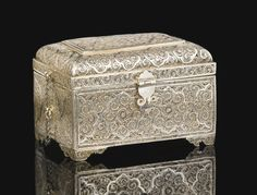 AN INDO-PORTUGUESESILVER FILIGREE SPICE BOX WITH BOTTLES, INDIA, PROBABLY GOA,17TH/18TH CENTURY