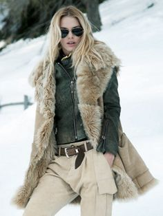 tibet vest..me encanta la mezcla de colores. .muy neutral pero elegante
