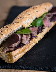 Het ultieme broodje biefstuk - The answer is food