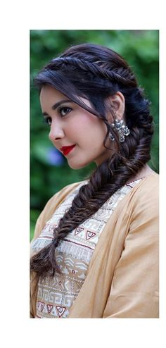 South Indian Actress Photo, Indian Actress Hot Pics, Most Beautiful Indian Actress, Beautiful Actresses, Indian Actresses, Nazriya Nazim, Fishtail Braid Hairstyles, Glamour Ladies, Beauty Full Girl
