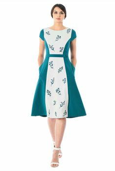 Our two-tone stretch-jersey knit dress with floral embellishment that offers a feminine touch while colorblocking visually streamlines your silhouette. Simple Dresses, Beautiful Dresses, Nice Dresses, Casual Dresses, Short Dresses, Fashion Dresses, Girls Dresses, Men's Fashion, Jersey Knit Dress
