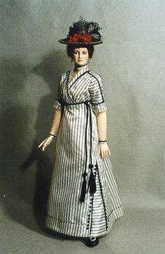 Alice Leverett doll Edwardian Costumes, Period Costumes, Dollhouse Dolls, Miniature Dolls, Pretty Dolls, Beautiful Dolls, Antique Dolls, Vintage Dolls, Doll Costume