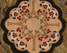 patternmart sweet as honey sunflowers u0026 bees penny rug candle mat pattern felt u0026 wool ideas pinterest penny rugs bees and sunflowers