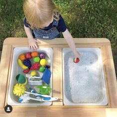 Infant Sensory Activities, Fun Outdoor Activities, Toddler Learning Activities, Learning Resources, Nursery Activities, Sensory Table, Sensory Bins, Sensory Play, Preschool At Home