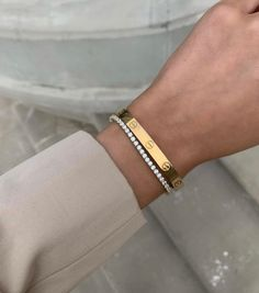 Hand Jewelry, Cute Jewelry, Jewelry Accessories, Jewelry Necklaces, Jewellery, Bling Bling, Cartier Bracelet, Gold Aesthetic, Aesthetic Body