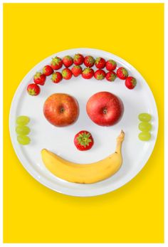 perfect for kids reluctant to eat fruits. Weird Food, Crazy Food, Happy Fruit, Food Humor, Funny Food, Eat Fruit, Happy Foods, Feeling Happy, Kids Meals