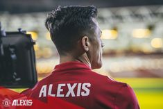 New player, Old Trafford. Alexis Sanchez, Premier League Champions, European Cup, Manchester United Football, Old Trafford, Europa League, Football Players, The Unit, Celebrities