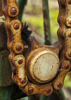 Rusty Bits by Rob Kleeman, via Flickr