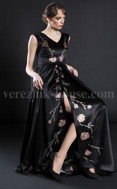Платье Verezhik House Luxury Вечернее изысканное платье , модель выполнена из высококачественного материала. Модель расписанная вручную.