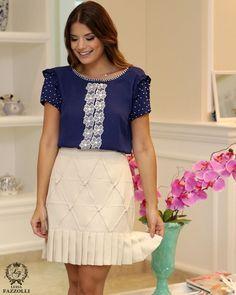 Mood Blue  Produção super feminina e delicada com a linda @arianecanovas ✨ #LuziaFazzolli #LaBelleModernÉpoque #BelleNoir #Summer17