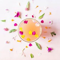 into the new week like this and all of a sudden Monday ain't so bad! ✌ via @sugarandcloth #cocktails #drinks #monday #bars #design #delicious #mondayfunday #flowers