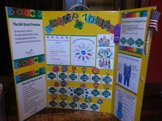 I like that this one has the cookie status chart! Scout Mom, Girl Scout Swap, Girl Scout Leader, Daisy Girl Scouts, Girl Scout Troop, Girl Scout Cookie Sales, Girl Scout Cookies, Girl Scout Promise, Girl Scout Activities