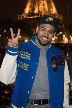 Chris Brown Paris Filming A Music Video wearing a Louis Vuitton Bomber Jacket. Cris Brown, Chris Brown Wallpaper, My Baby Daddy, Lil Baby, Chris Brown Pictures, Breezy Chris Brown, Lil Durk, Just Beautiful Men, Toni Braxton