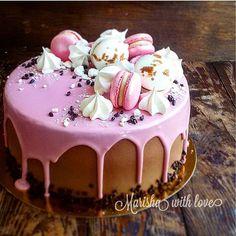 Прекрасный торт для прекрасной девушки @ekaterina___aleynikova Внутри великолепный Чёрный лес