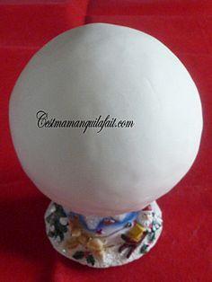 Couvrir une boule de pate à sucre (8)