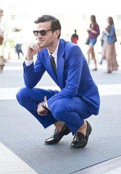 Feeling Blue via details: We love a blue suit,...