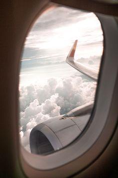 Phuket Island - Popular travel destination in Thailand - TRAVEL White Aesthetic, Aesthetic Photo, Aesthetic Pictures, Airplane Photography, Travel Photography, Free Photography, Airplane Window View, Zoldyck, Plane Photos