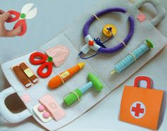Patterns and instructions only--- For little budding Doctors. A soft activity toy medical bag with everything they need for pretend play doctors and nurses. Great for role play activities and for those children who are afraid to visit the doctor. The item consists of : --Medical bag 9×11×2 --Pills --Band aid --Scissors --Thermometer --Syringe --stethophone --bone mallet ********************************************************************** Detailed instructions and clolor ph...