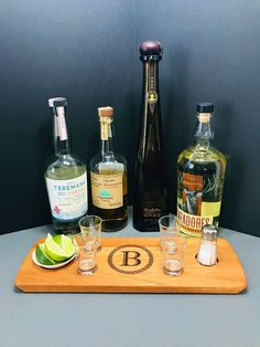 Whisky Tasting, Tequila Tasting, Gifts For Dad, Gifts For Friends, You And Tequila, Tequila Shots, Tasting Table, Thirsty Thursday, Serving Trays