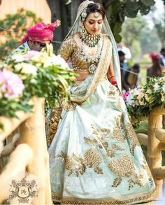 Find top trending and unique Sabyasachi Lehenga Designs for your dream bridal look. Best bridal lehenga designs by Sabyasachi for 2020 weddings. Bridal Outfits, Bridal Dresses, Udaipur, Bridal Looks, Bridal Style, Indian Dresses, Indian Outfits, Sabyasachi Bride, Sabyasachi Lehengas
