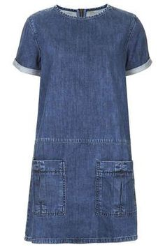 MOTO Utility Denim T-Shirt Dress - What a great dress, suitable for many ages! (idea: use new denim to create dress.upcycle denim jeans for pockets and trim around sleeve and neckline) Alexa Chung, Jeans Dress, Shirt Dress, Denim Dresses, Denim T Shirt, Tee Shirt, Denim Jeans, Estilo Jeans, Denim Outfits