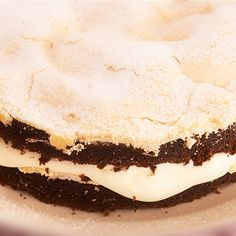 Try this Chocolate Meringue Cake recipe by Chef Rachel Allen. This recipe is from the show Rachel Allen: All Things Sweet. Chocolate Meringue Cake Recipe, Best Chocolate Desserts, Rachel Allen, Rhubarb Cake, Food Humor, Funny Food, Rhubarb Recipes, Almond Cakes, Gourmet