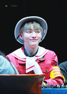 "yoon jisung pics on Twitter: ""180408 #윤지성 #워너원… "" Solo Male, You Broke Me, My Destiny, Kim Jaehwan, Ha Sungwoon, I Hate You, Great Leaders, Ji Sung, Seong"