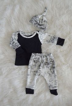 newborn outfit coming home outfit baby by LittleBeansBabyShop
