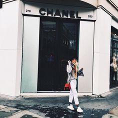 "ANDREA BELVER en Instagram: ""T a k e I t"""