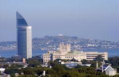 Vista del Palacio Legislativo,Torre de las Comunicaciones y Cerro de Montevideo.