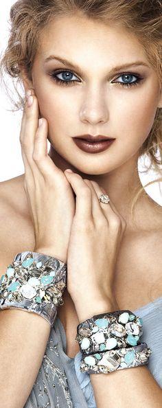 Taylor Swift by Gabor Jurina