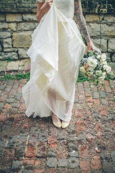Photography by erinjeanphoto.com |   Beautiful brick // bouquet // flowers // wedding dress //