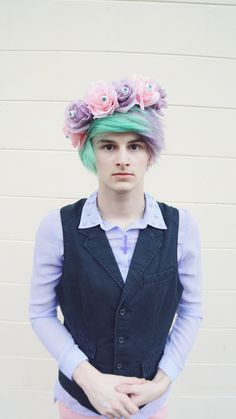 pastel goth boy  creepy pastel kawaii Floral eyeball crown video up on how to make one yourself http://www.youtube.com/watch?v=Nj2KGJ6raZI  ❤