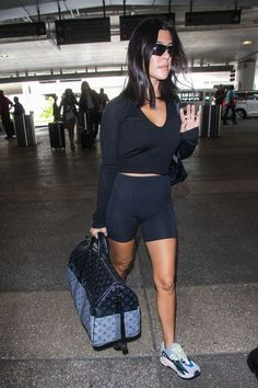 Kourtney Kardashian Photos Photos: Kourtney Kardashian at LAX Kourtney Kardashian Photos – Kourtney Kardashian is seen at Los Angeles International Airport in Los Angeles, California. – Kourtney Kardashian at LAX Robert Kardashian, Kardashian Kollection, Kourtney Kardashian Workout, Kardashian Dresses, Kardashian Photos, Kardashian Style, Kardashian Fashion, Celebrity Airport Style, Kendall Jenner Style