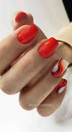 66 Pretty ways to wear mismatched nail colors & designs 37 - Hair and Beauty eye makeup Ideas To Try - Nail Art Design Ideas Red Nails, Hair And Nails, Gradient Nails, Black Nails, Colorful Nail Designs, Nail Art Designs, Spring Nails, Summer Nails, Cute Nails