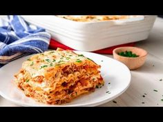 We took a couple shortcuts for this recipe by using store-bought marinara and boxed pasta sheets. It saves a ton of time without sacrificing any flavor. And while we think it's absolutely perfect … Lasagne Recipes, Pasta Recipes, Cooking Recipes, Cooking Videos, Cooking Tips, Dinner Recipes, Classic Lasagna Recipe, Easy Lasagna Recipe, Tomato Pasta Recipe