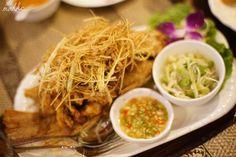 Lemongrass fried fish with green mango salad Sun Thai Restaurant 新泰東南亞餐廳 Thai  /  Singaporean  /  Seafood  /  Curry   Photos & Review by food blogger mohkc
