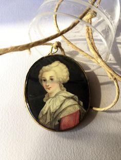 Antique Georgian hand painted miniature portrait pendant, Antique jewels, Antique collectibles di Quieora su Etsy