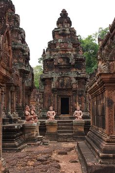 This century Banteay Srei temple which is commonly referred to as the 'jewel of Khmer art' is situated in Angkor and was part of the ancient capitals of Angkor Thom and Yasodharapura. Asian Architecture, Ancient Architecture, Travel Around The World, Around The Worlds, Vietnam, Diy Garden Fountains, Ancient Ruins, Angkor Wat, Fantasy Landscape
