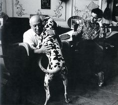 Photography of Picasso and his dog Fotografie von Picasso und seinem Hund Pablo Picasso, Picasso Cubism, I Love Dogs, Puppy Love, Picasso Pictures, Animals And Pets, Cute Animals, Ugly Dogs, Cat Behavior