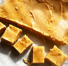 Salted caramel fudge recipe – Absolutely Muffin Salted Caramel Fudge, Fudge Recipes, Christmas 2019, Cornbread, Muffin, Food And Drink, Tasty, Ethnic Recipes, Ideas