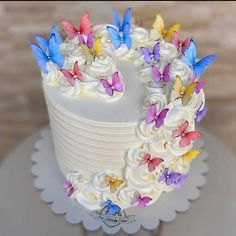 Bolo Floral, Floral Cake, Bakery London, Lemon Flowers, Chocolate Dipped Strawberries, Strawberry Dip, Birthday Cake Decorating, Pretty Cakes, Cake Designs