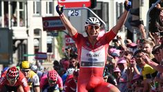 Sky Sports Cycling @SkyCycling pic.twitter.com/wPpRLy5iZ7 Awesome Marcel Kittel takes #Giro d'Italia lead with sprint win on stage three - report: skysports.tv/rBeQzB