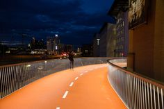 elevated bike lane by dissing + weitling
